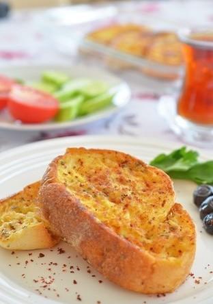トルコ家庭料理 甘くないフレンチトースト