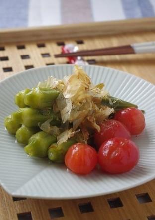 オクラとトマトのだし煮 からしを添えて