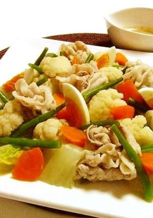 豚しゃぶと温野菜の彩りサラダ