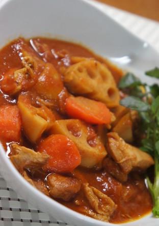 鶏もも肉とれんこんのカレートマト煮込み