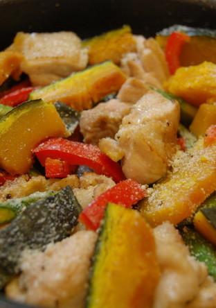 簡単 鶏肉と彩り野菜のオーブン焼き