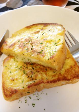 甘くない チーズ入りフレンチトースト