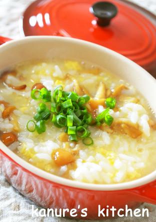 朝食に なめこと卵の中華風雑炊