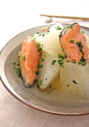 塩鮭と大根のことこと煮