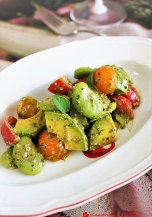 空豆とアボカド トマトのバジルソース和え