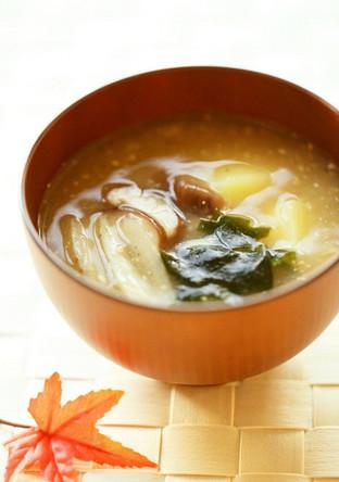 繊維質食材を食すお味噌汁