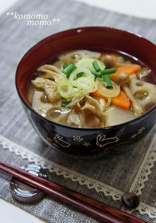 ほっこり きのこと根菜の食べる味噌汁