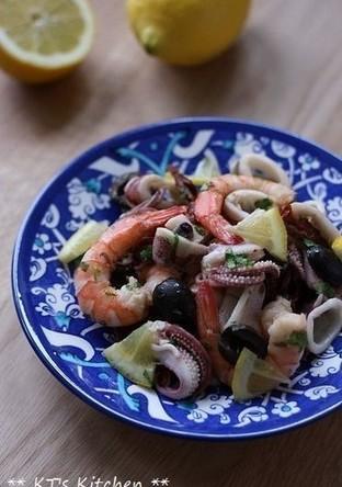 シーフードとドライトマト オリーブマリネ