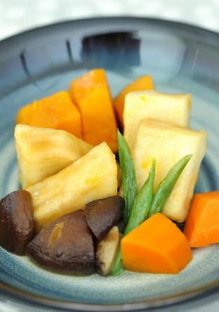 高野豆腐揚げ焼き煮とお野菜の盛り合わせ