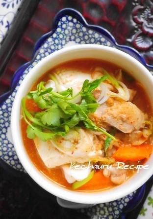 熱々 豆腐とゴマたっぷり味噌キムチ煮込み