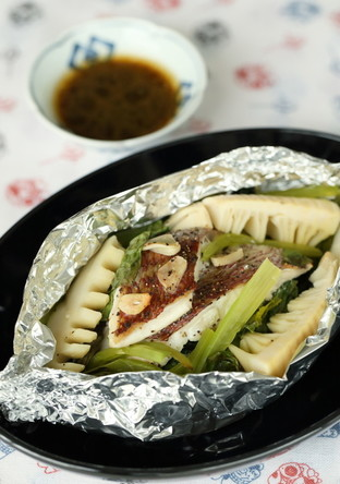 真鯛のホイル焼き バター醤油添え