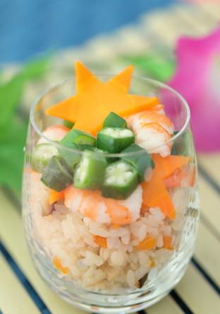 簡単にかわいく作れるカップ寿司