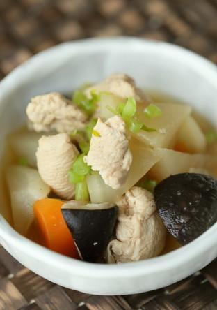 大根と鶏むね肉の優しいお味の煮物