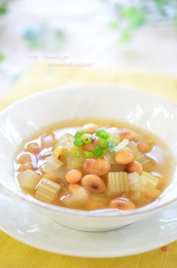香ばしい 炒り大豆のシンプルスープ