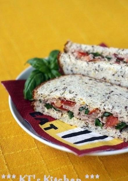うちのサンドイッチ ツナ&バジルトマト
