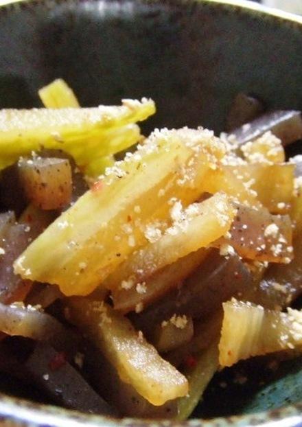 コンニャクと大根のピリ辛炒め