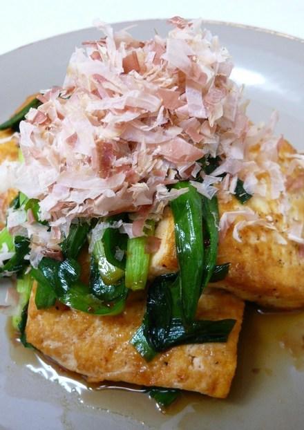 ニラと豆腐で ピリ辛炒め