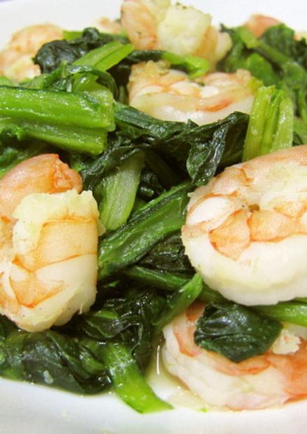 海老と小松菜のあっさりオリーブオイル炒め