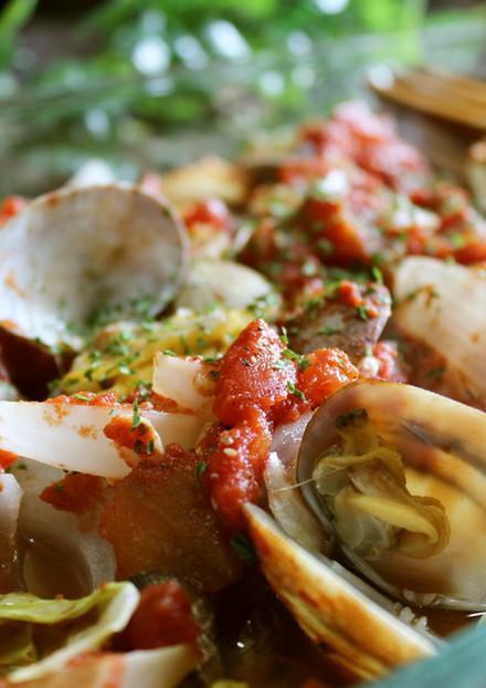 レンジであさりと野菜のトマト蒸し