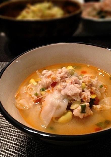 即席 もやしとひき肉のごま味噌スープ