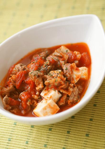 牛肉と豆腐と茸のトマト煮