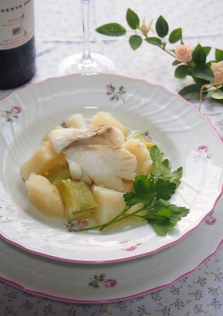 スペイン料理 鱈と葱のスープ煮