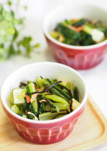 カルシウムたっぷりの小松菜の塩昆布和え