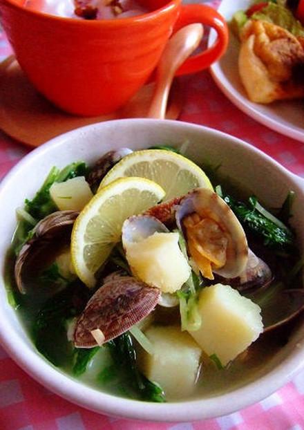 アサリと水菜とジャガイモのスープ。