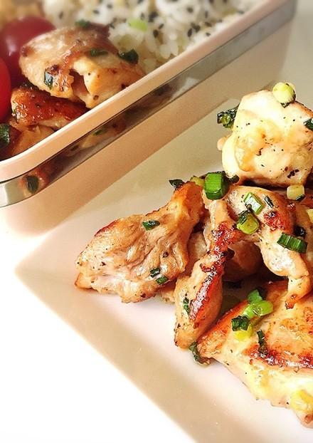 ピリッと黒胡椒・鶏もも肉の生姜焼き