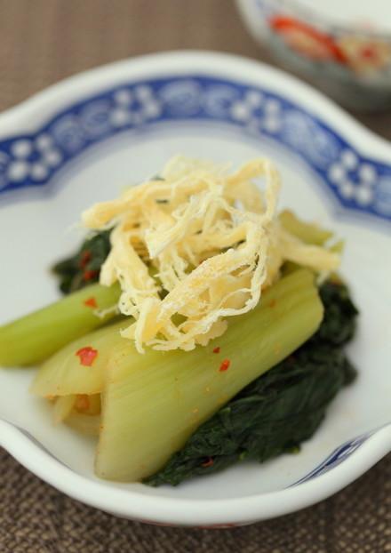 青梗菜とさきいかのピリ辛酢和え