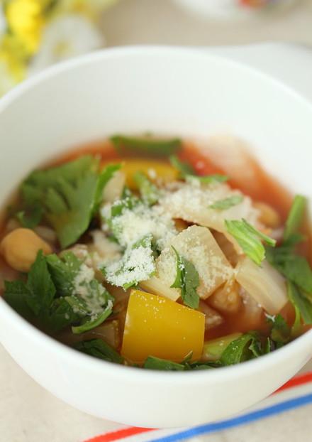 ざく切り香り野菜とひよこまめのスープ