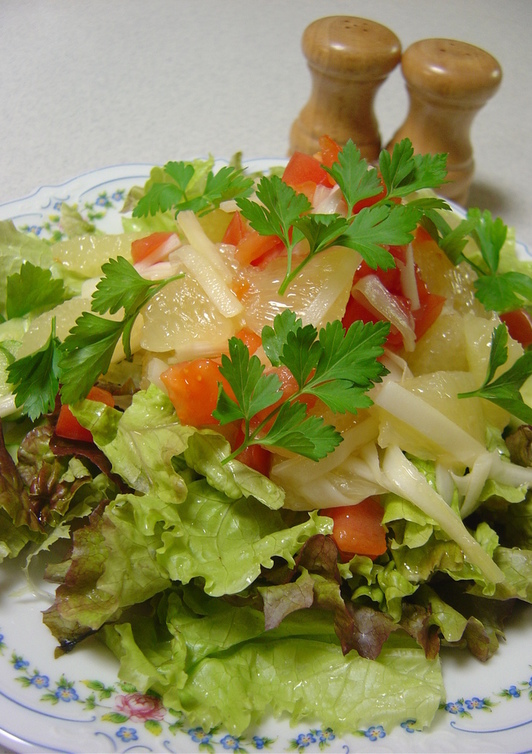 グレープフルーツとセロリのノンオイルサラダ