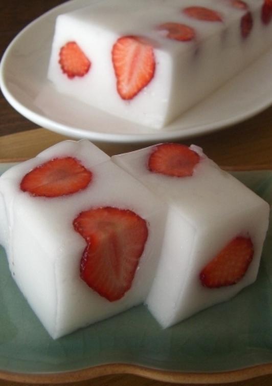 お口の中でシュワッ イチゴの淡雪かん