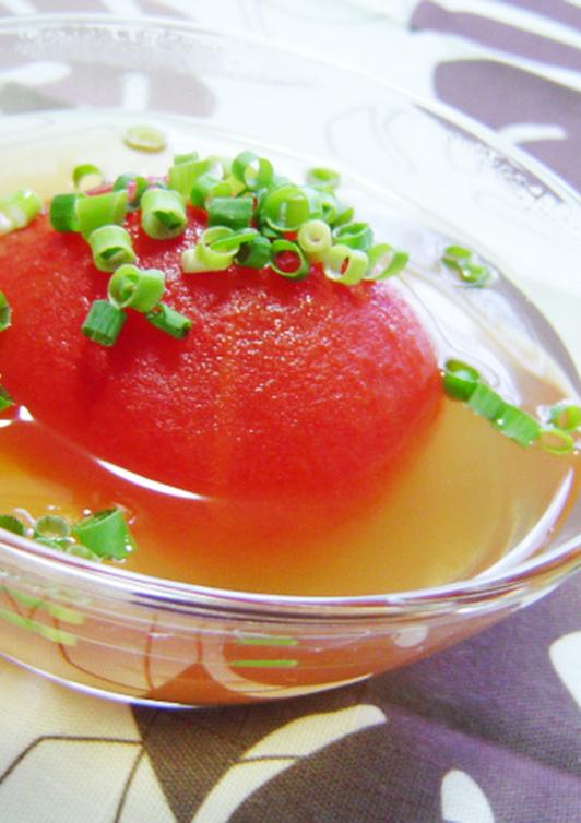 丸ごとトマトの和風スープ