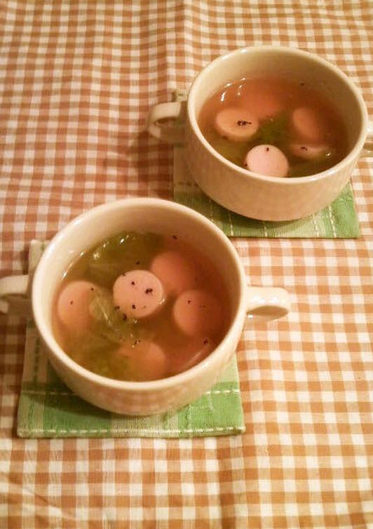 レタスと魚肉ソーセージのスープ