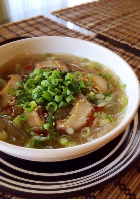 夜食にさっぱり春雨スープ