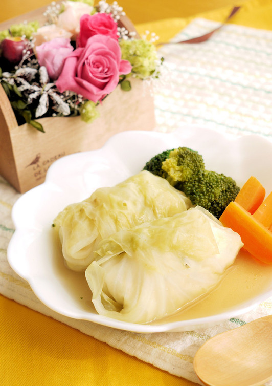 鶏挽肉とお豆腐で ヘルシーロールキャベツ