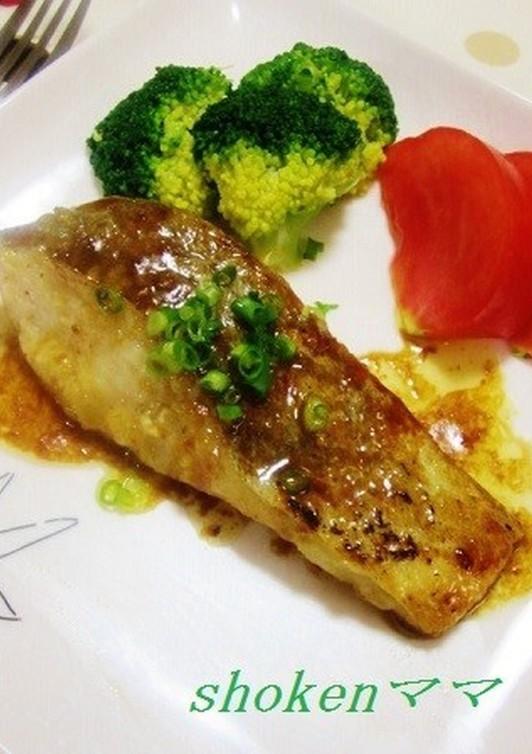 バタポンソースで鱈のムニエル