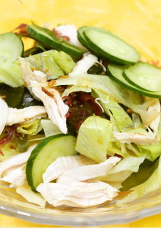ササミと海藻のサラダ