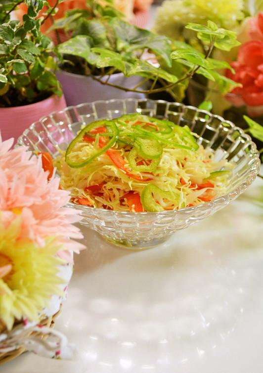 パプリカで簡単 彩りサラダ