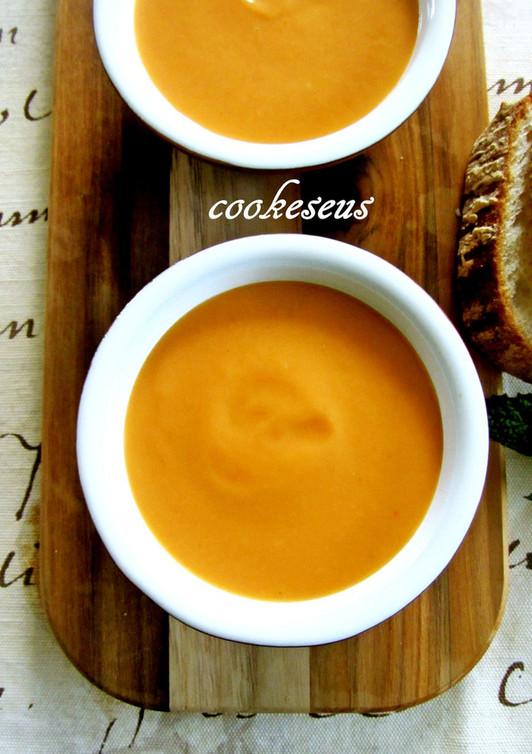 カリフラワーとトマトのポタージュスープ