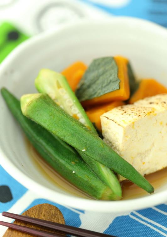 焼き豆腐と夏野菜の煮物