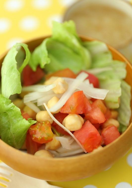 コロコロひよこ豆の入った野菜サラダ♫