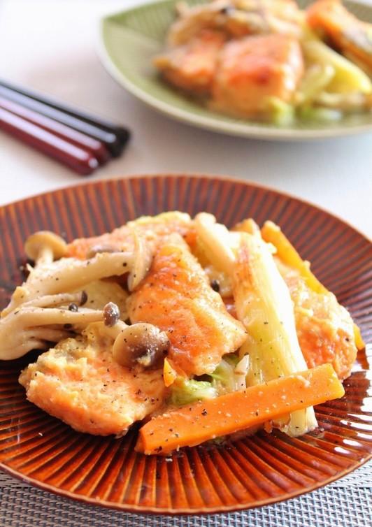 鮭のミルク味噌蒸しちゃんちゃん焼き風
