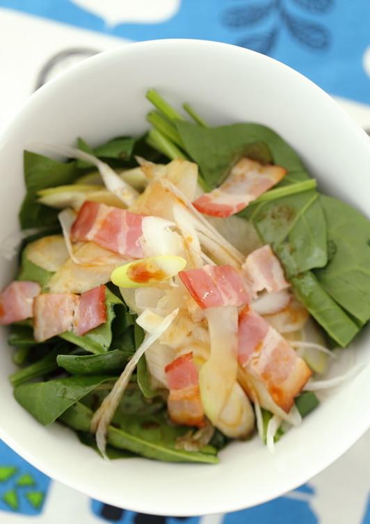 ほうれん草と香り野菜のベーコンサラダ