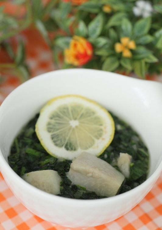モロヘイヤと里芋のねばっと具沢山スープ
