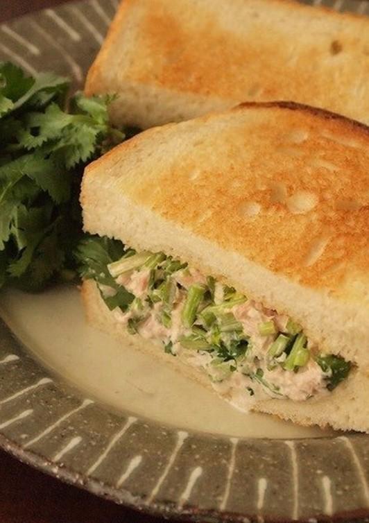 ツナとコリアンダーのサンドイッチ