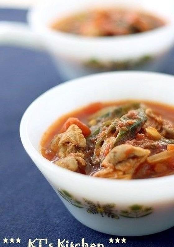 チキンとオクラのガンボ風スープ