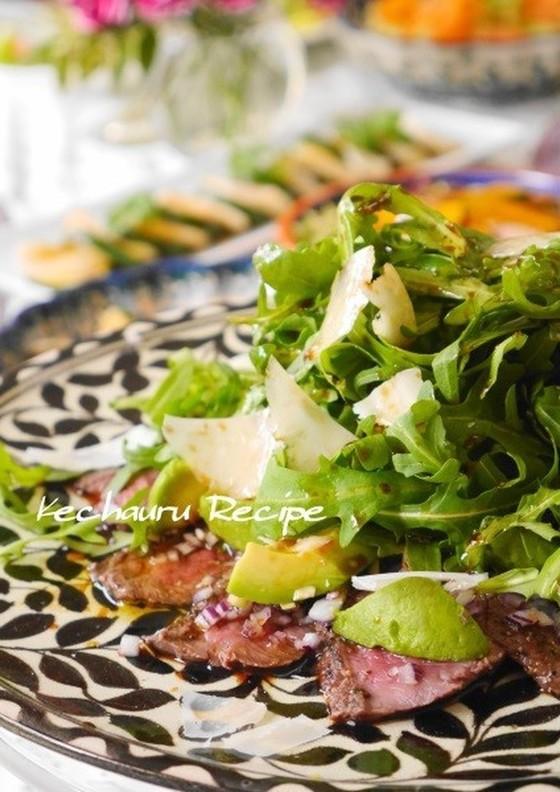 牛タタキとアボカドのカルパッチョ風サラダ