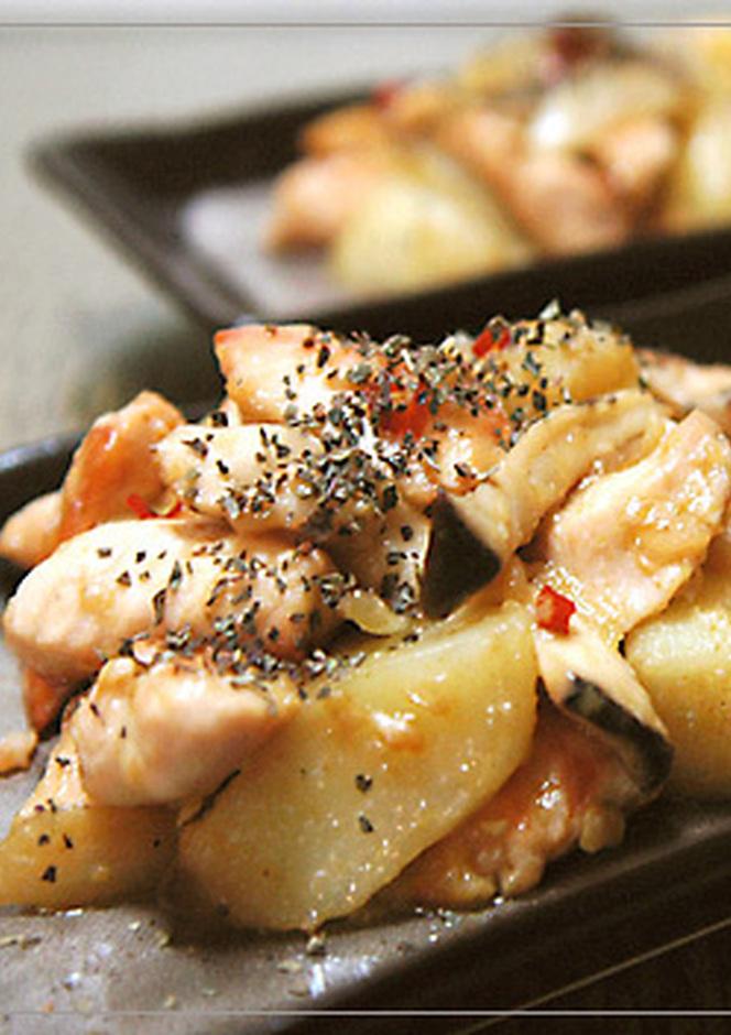 鶏むね肉とじゃがいものにんにく炒め